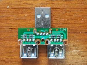 USBツインチャージャー~配線側